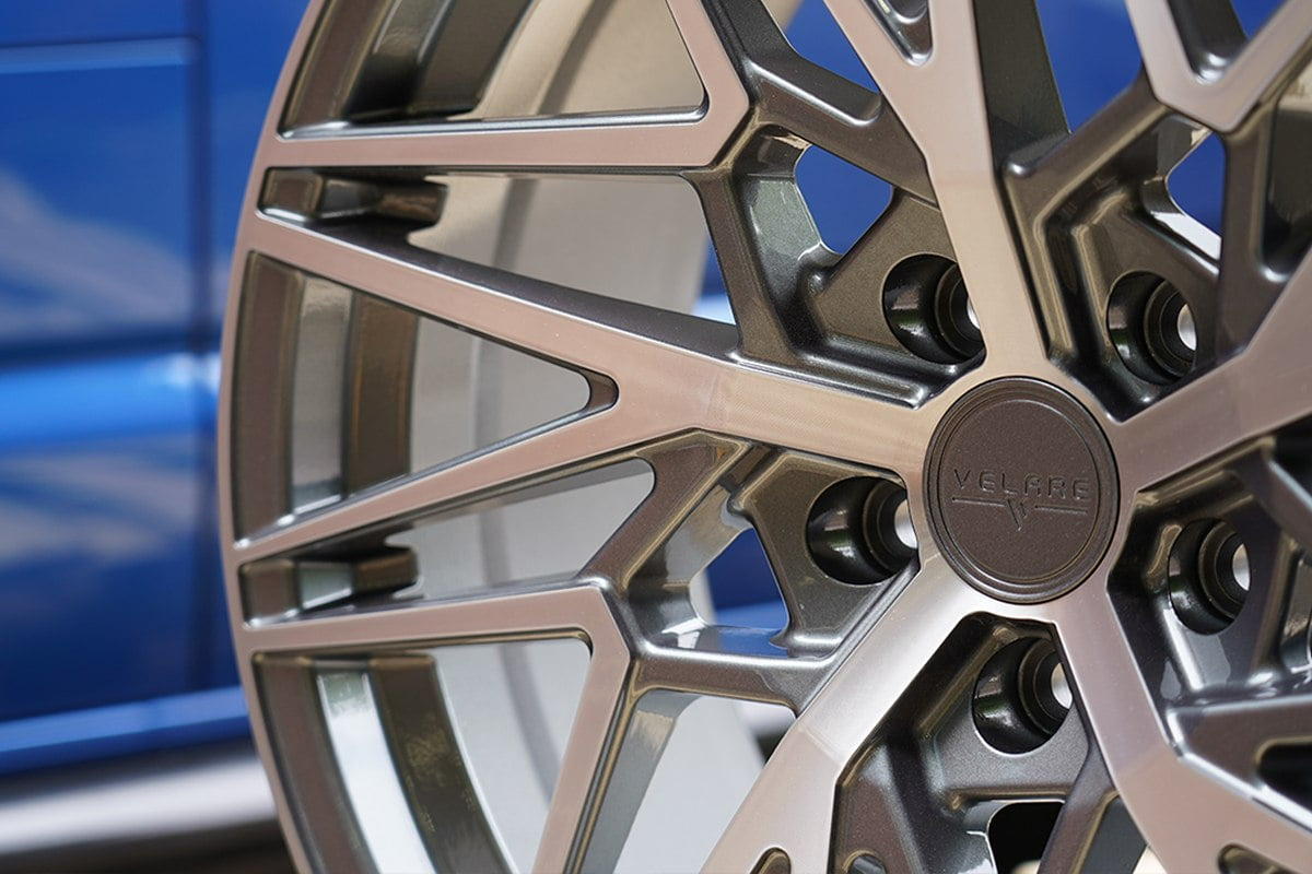 VLR-06-Platinum-Polised-Closeup